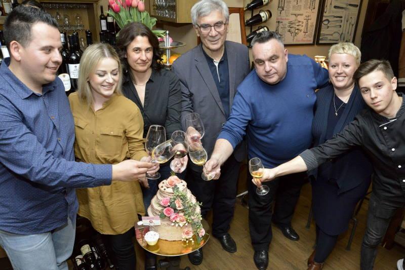 VINSKI RAZGOVORI: Uz Erdutske vinograde i mlade, kreativne goste iz svijeta knjiga i kolača