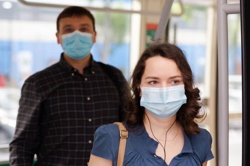BOŽINOVIĆ POTPISAO ODLUKU: Od ponoći putnici bez maske ne smiju ući u vozila javnog prijevoza