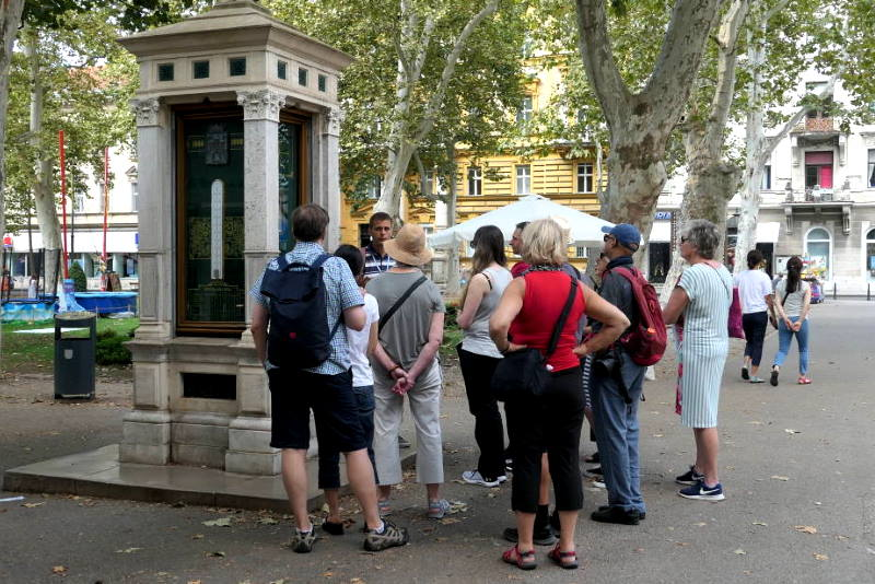 Turisti na Zrinjevcu