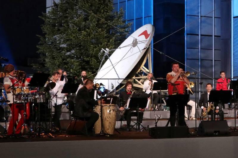 """Cubismo, Nola i Jazz orkestar oduševili na HRT-ovoj """"Sunčanoj strani Prisavlja"""""""