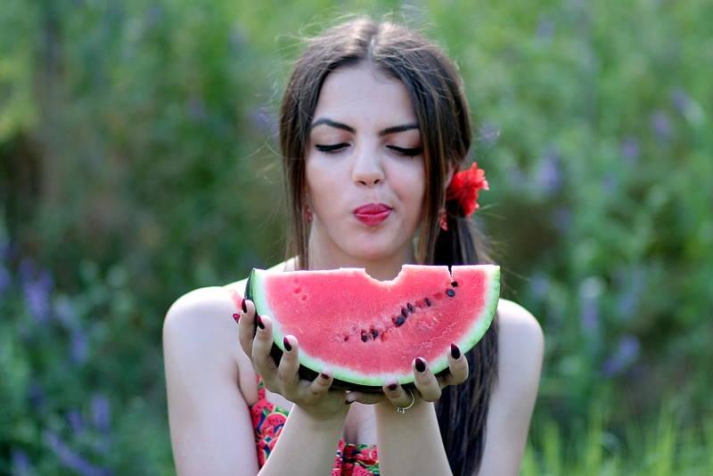 LJEKOVITA SVOJSTVA LUBENICE: Pet razloga zbog kojih je dobro jesti ovo voće