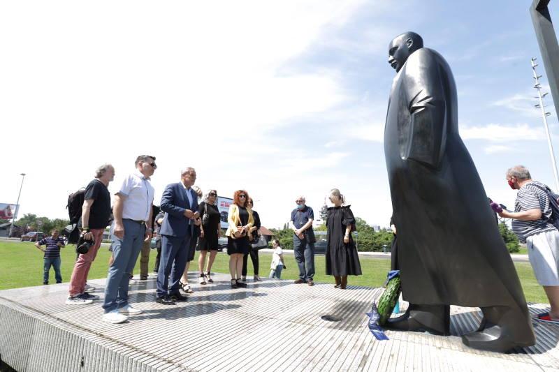 Položeni vijenci u povodu 50. obljetnica smrti Većeslava Holjevca