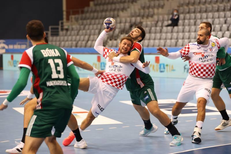 RUKOMET: Hrvatska u Osijeku nadigrala Mađarsku, Martinović i Štrlek zabili po šest golova