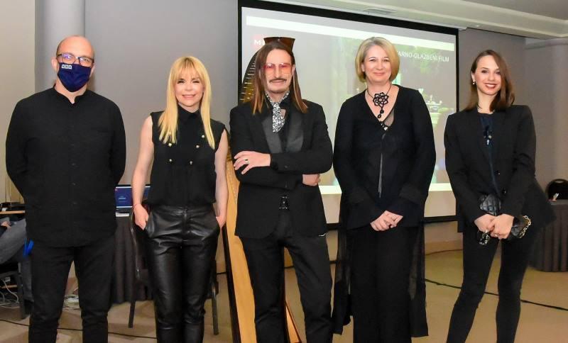 """Kantautor Mladen Burnać predstavio svoj dokumentarno-glazbeni film i album """"Knjiga poezije"""""""