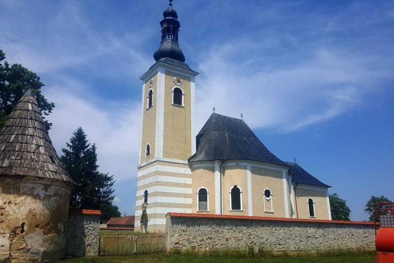 Biciklom preko Kravarskog do Pokupskog (2) – Utvrđena crkva i Georges Seurat uživo