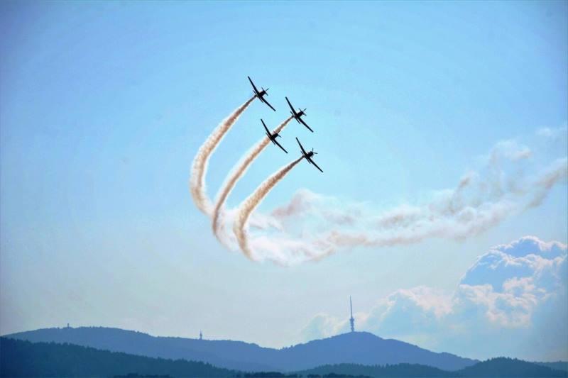 Letački spektakl iznad Zagorja u znak sjećanja na pilota Rudolfa Perešina, junaka Domovinskog rata