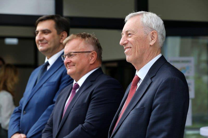 ZAPREŠIĆ: OŠ Antuna Augustinčića dobila sportsku dvoranu sa solarnom elektranom na krovu
